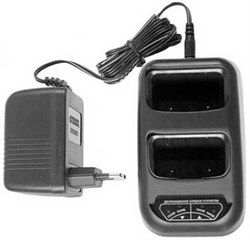 Зарядное устройство Icom BC-10 - фото 11661